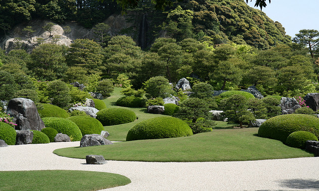 Japanese garden simple plantings